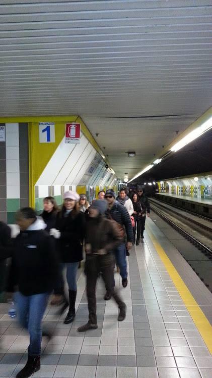 Stazione Italia, livello treni