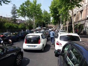 Attuale situazione congestione traffico urbano via Cardinale Dusmet, Catania