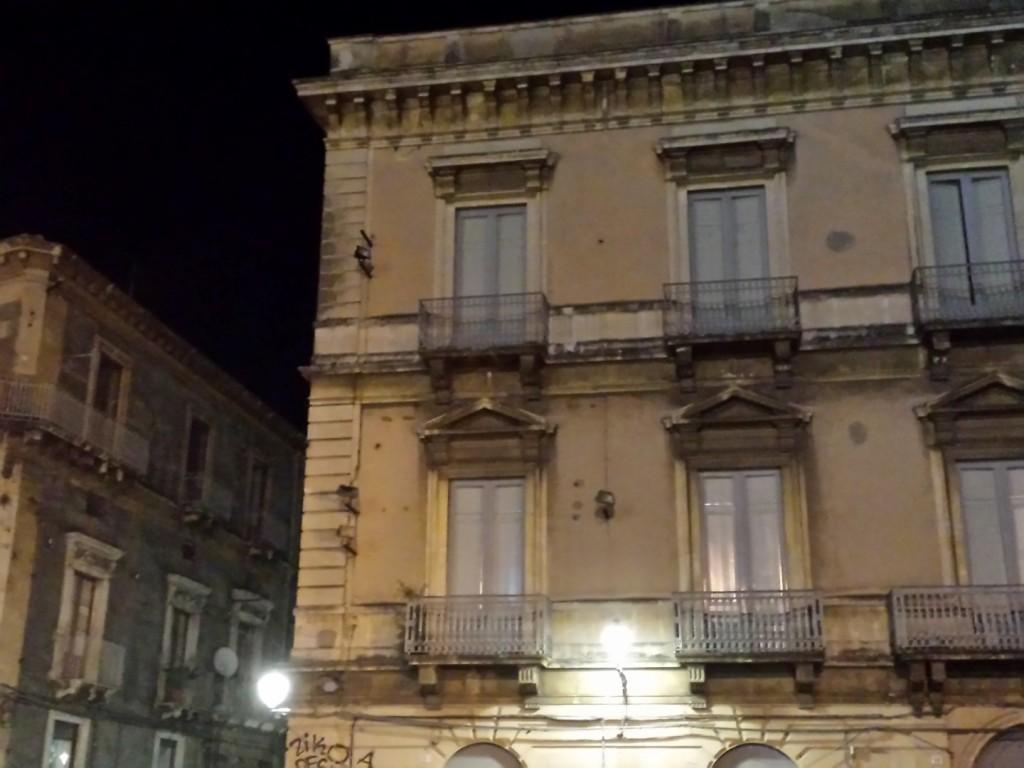 Teatro Massimo Fari spenti