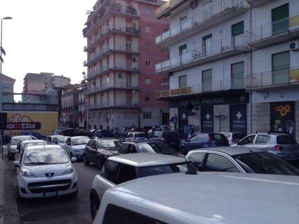 Traffico via Ala, Catania [foto Catania Pubblica]