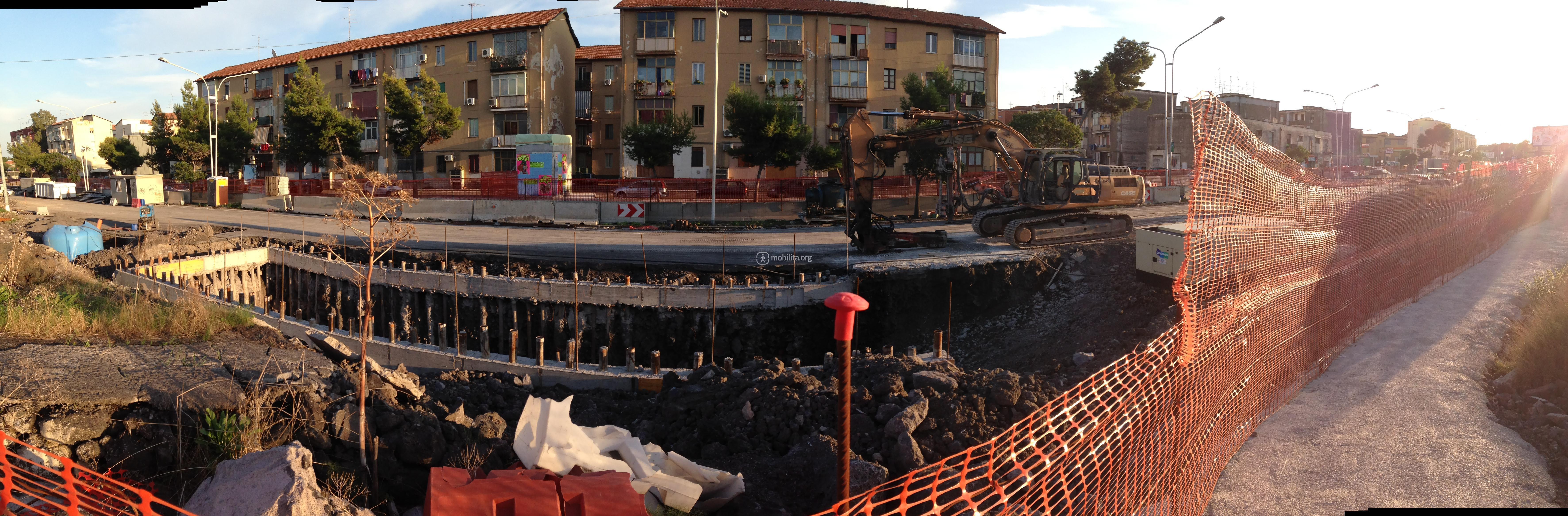 Panoramica del cantiere di Nesima, lato nord [foto Luigi Sciarrone]