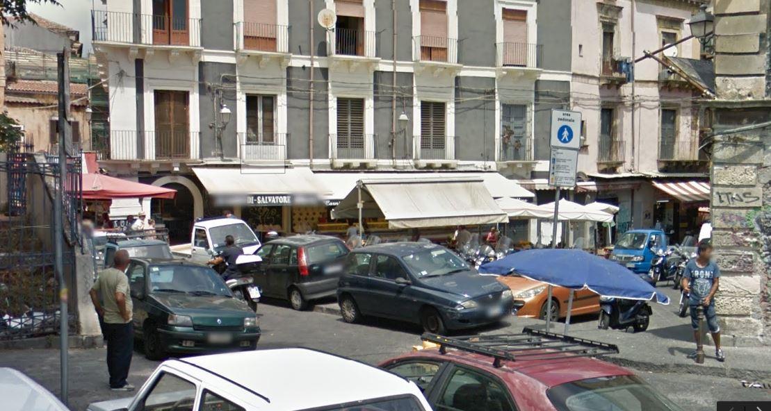 Area pedonale di Piazza Currò
