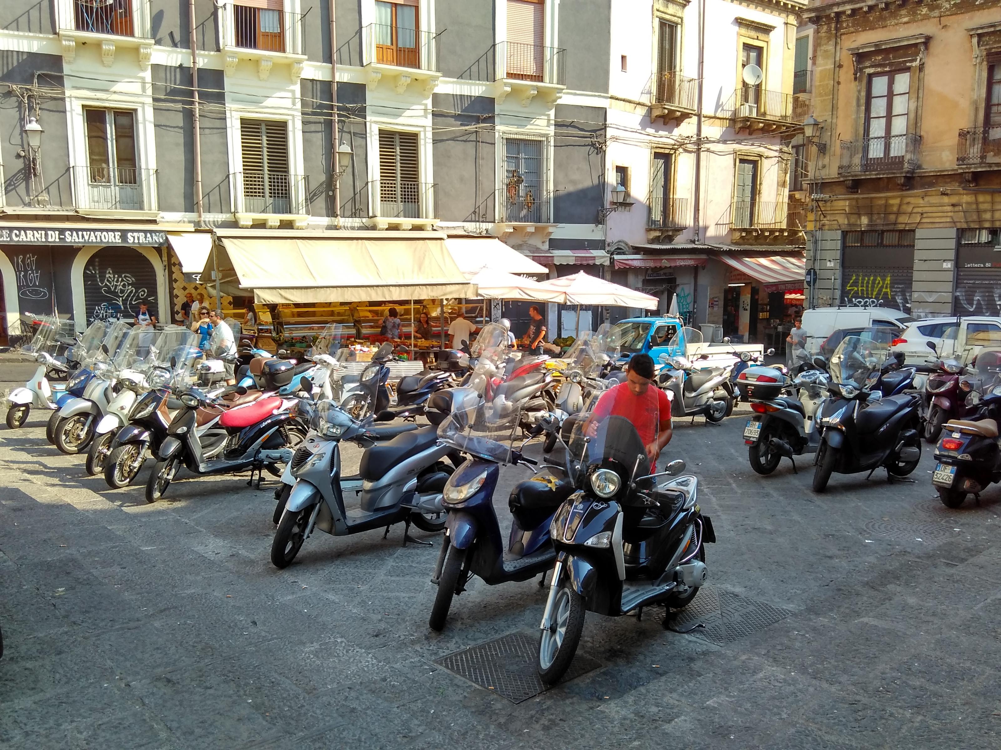 Piazza Currò