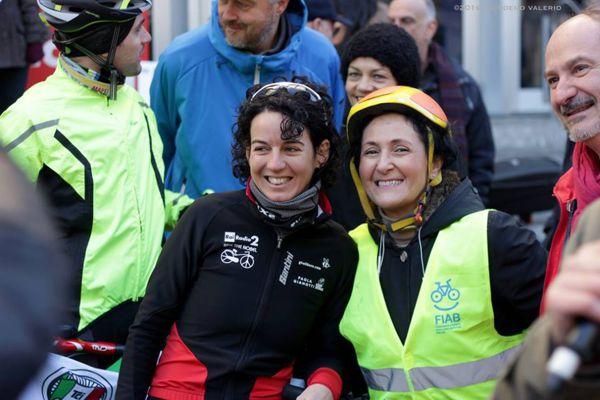 A destra la presidente Fiab Giulietta Pagliaccio, a sinistra Paola Gianotti.  foto di Nicodemo Valerio,