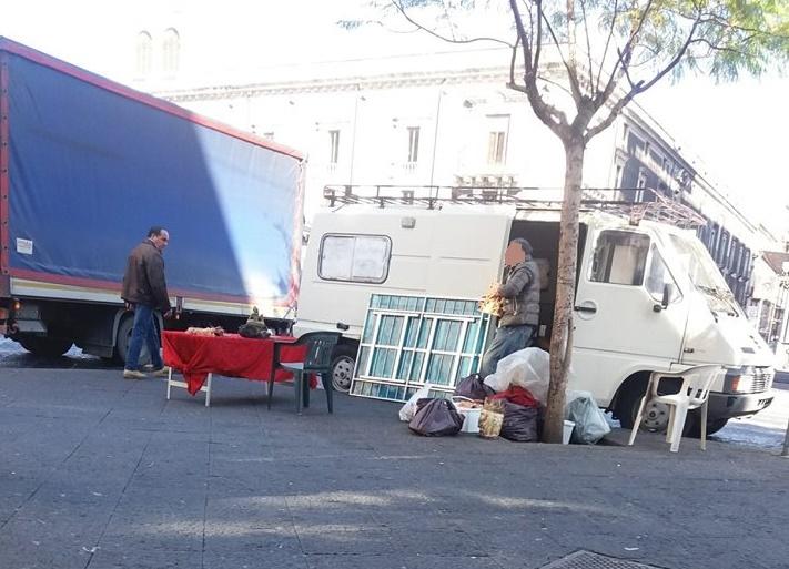 Piazza stesicoro a proposito di decoro urbano mobilita for Ufficio decoro urbano catania
