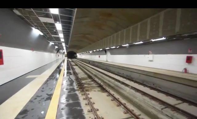 La stazione metro Stesicoro - livello treni