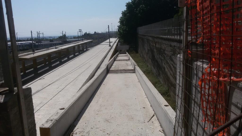 Rampe di accesso alla fermata