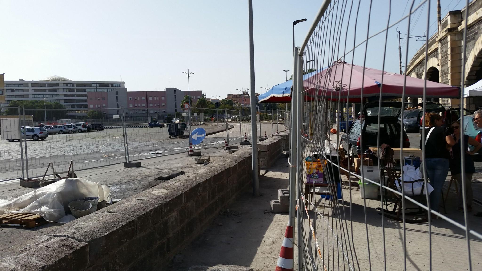 Il nuovo muretto non è più una recinzione invalicabile