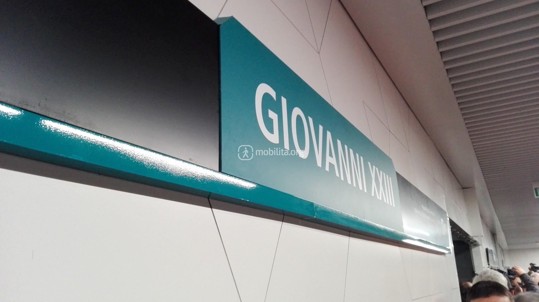 """Stazione """"Giovanni XXIII"""", livello treni"""