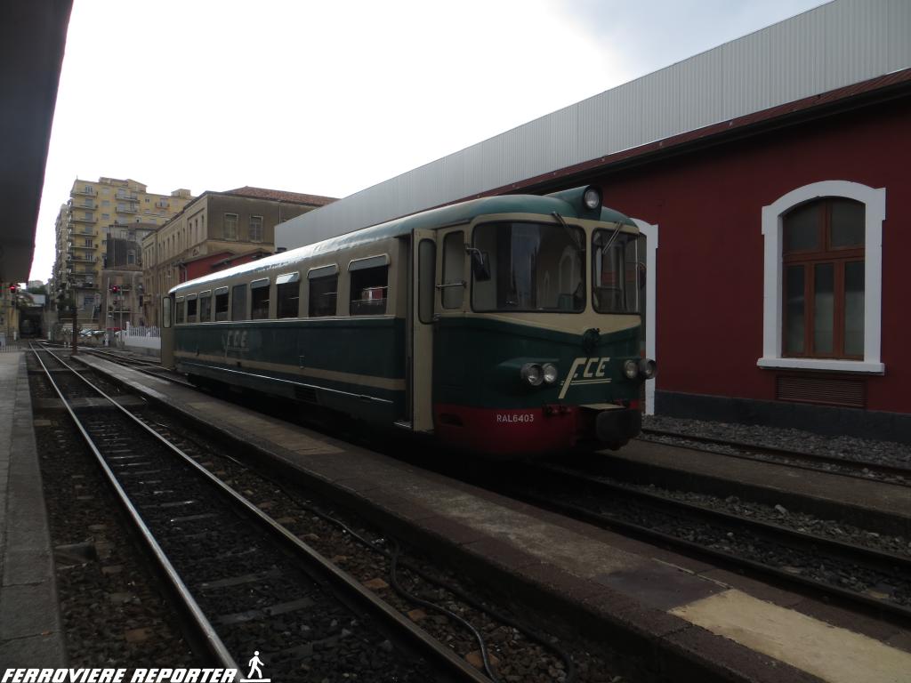 """RALn 6403, ex """"RALn 60 FS"""", ferma nella stazione di Catania Borgo."""