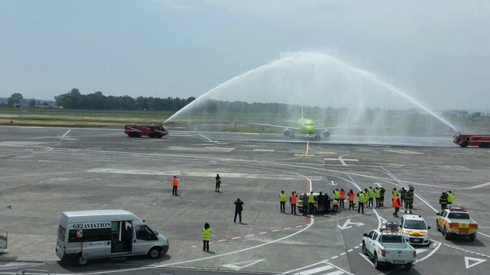 Accoglienza dell'aeroporto di Catania all'Airbus 320 proveniente da Mosca  foto Aeroporto di Catania- Fontanarossa
