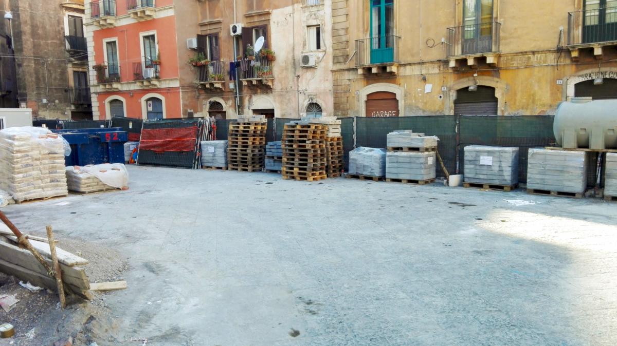Lavori in corso in piazza Sciuti