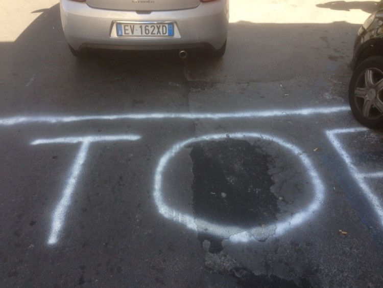 Incrocio tra via Conte Ruggero e via Francesco Crispi