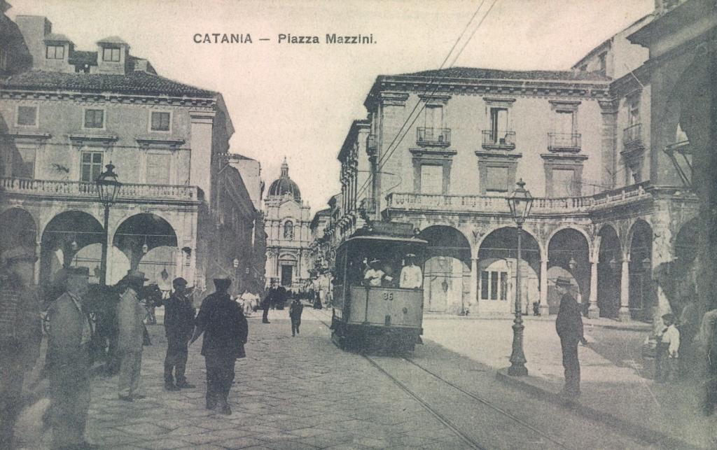 Piazza Mazzini nella prima metà del XX secolo