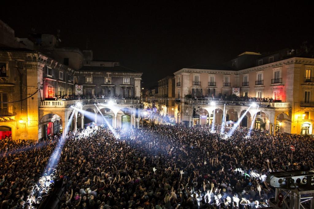 Piazza Mazzini durante il RedBull Event del 2013