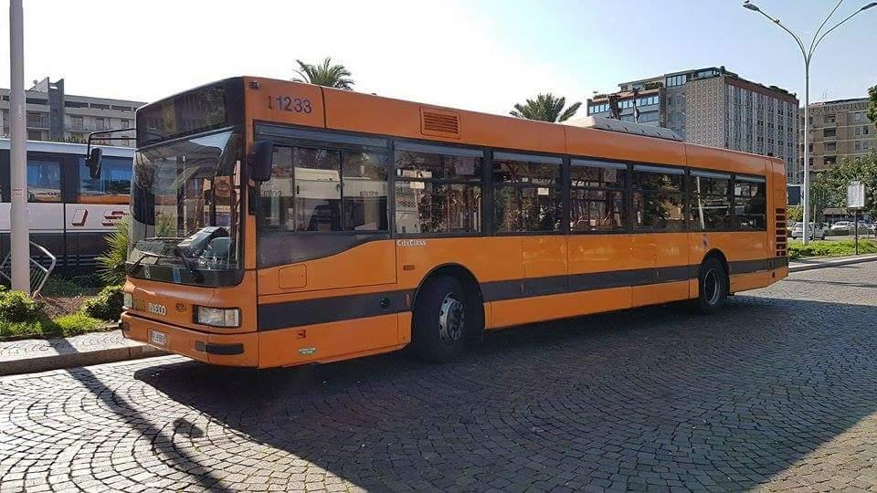 Uno dei bus provenienti dall'ATM di Milano (foto di Francesco Urbanway)
