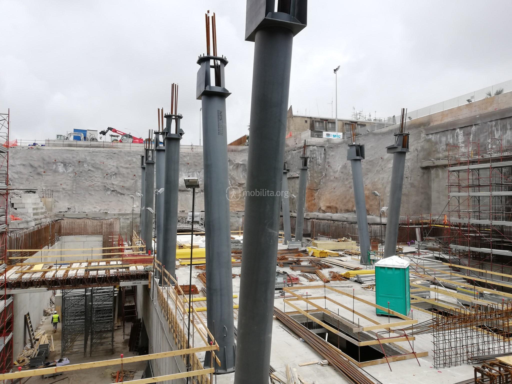 Primo livello ipogeo della stazione Fontana in costruzione