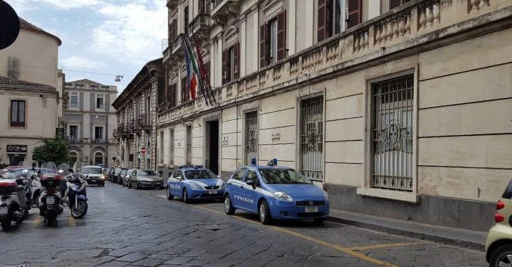 Chiusura di via manzoni test non superato si torna alla for Ufficio decoro urbano catania