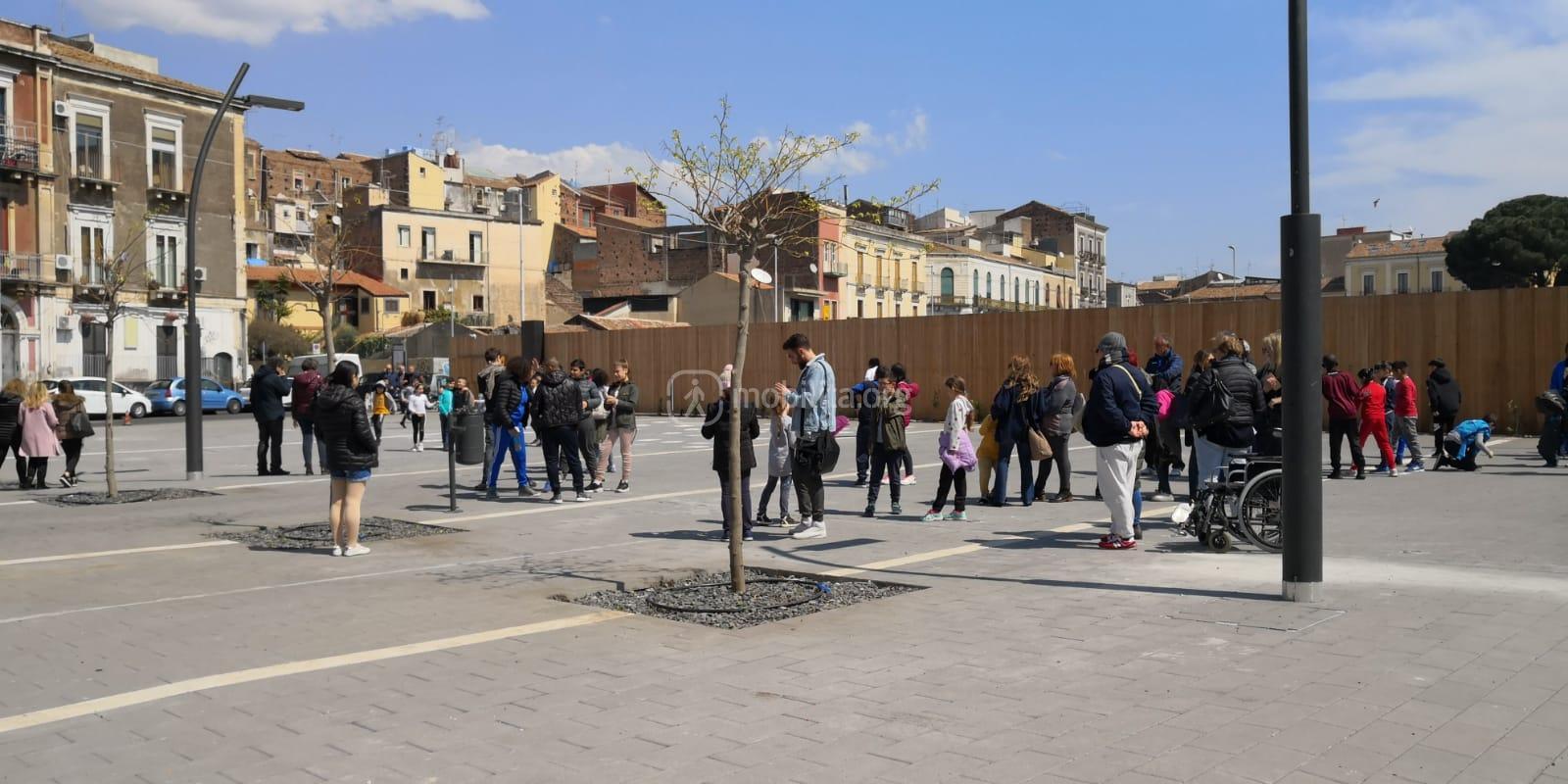 Lo slargo compreso tra via Maddem, via Luigi Castiglione e via Teocrito, nei pressi di piazza Grenoble (area vp3)