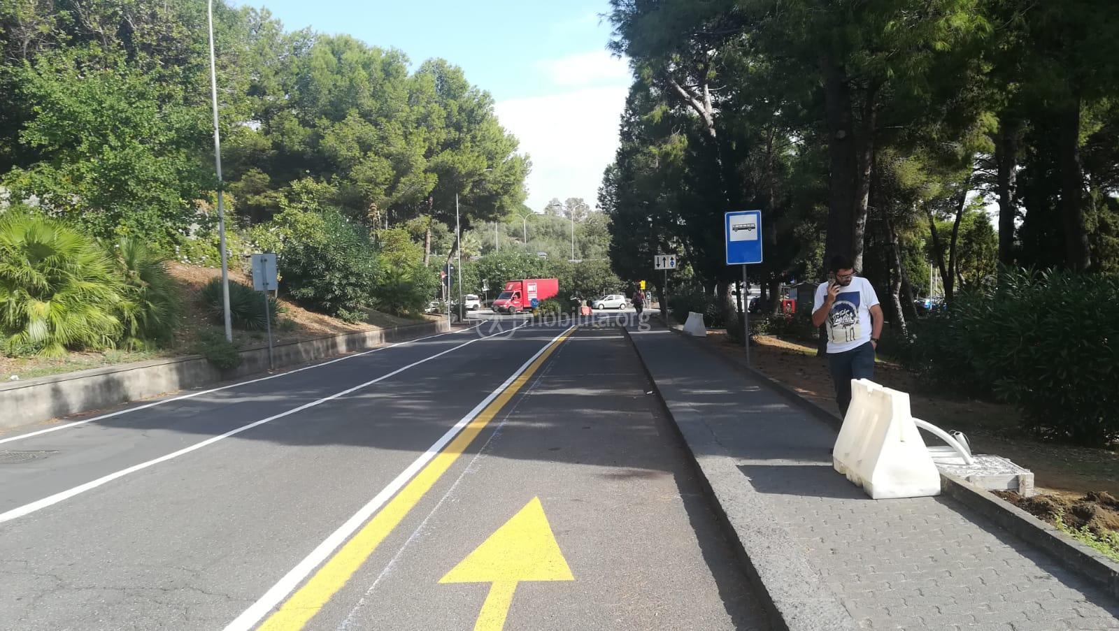 La nuova corsia bus all'interno della cittadella e la nuova fermata presso Dipartimento di Matematica