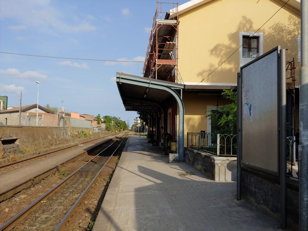 La stazione di Misterbianco in corso di ristrutturazione.